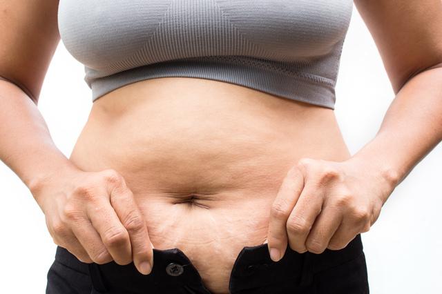 女性が更年期に太る原因は?