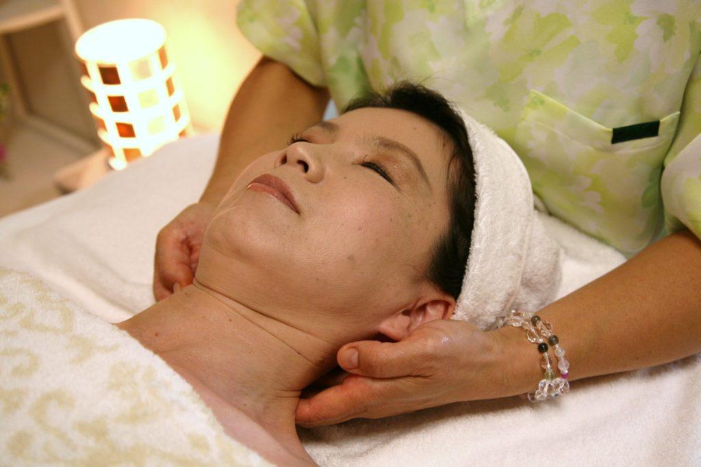 ハミングの首・肩こり解消のための鍼治療